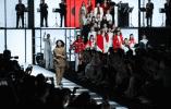 世界顶级原创服装亮相米兰时装周 超模吕燕呼吁中国打造全球品牌
