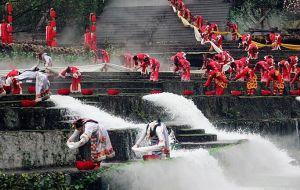 都江堰放水节