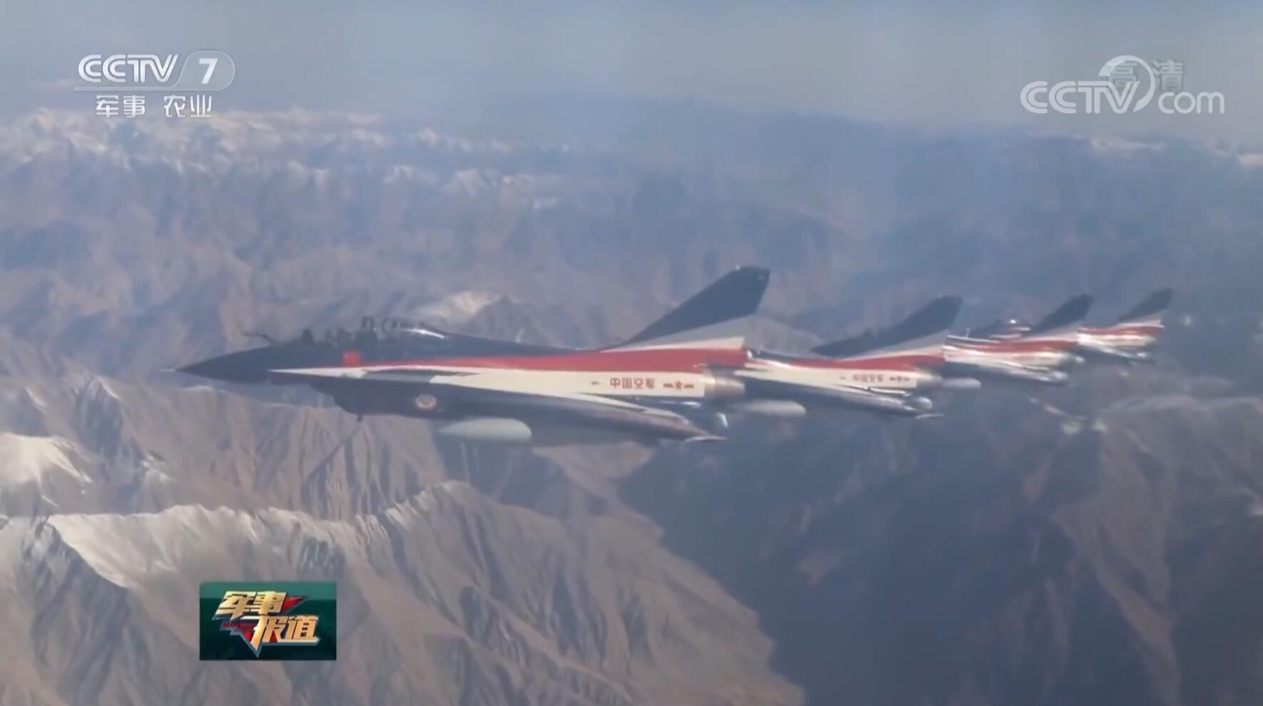 歼-10战斗机抵达巴基斯坦 将与F-16一同阅兵