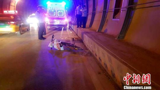 男子领取驾照一小时后肇事逃逸致人死亡 已被警方刑拘