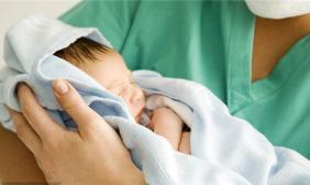 怀疑孩子被喂安眠药,该怎么办?医生、律师回答你