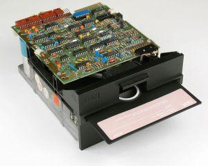 IBM 5150 5.25寸软驱和DOS系统软盘