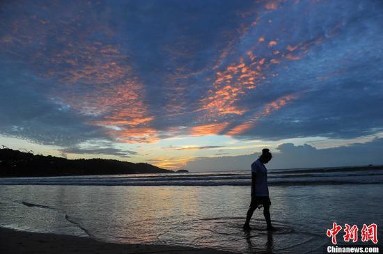 泰铢升值影响旅游业 泰政府拟缓征旅游税吸引游客