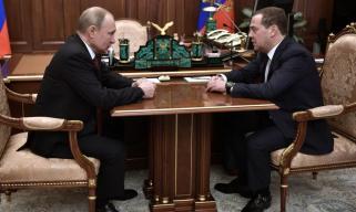生变!俄罗斯政府全体辞职 金银价格急升 卢布巨震