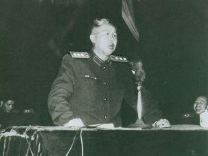 1958年王平在北京作巡回汇报