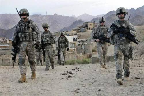 特朗普说美国将向中东增兵约1500人