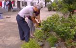 十九年省吃俭用,79岁退休教师免费为农村娃补课