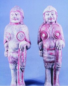 北齐武士釉彩陶俑