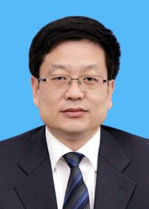 第一拖拉机股份有限公司董事长兼法人:赵剡水